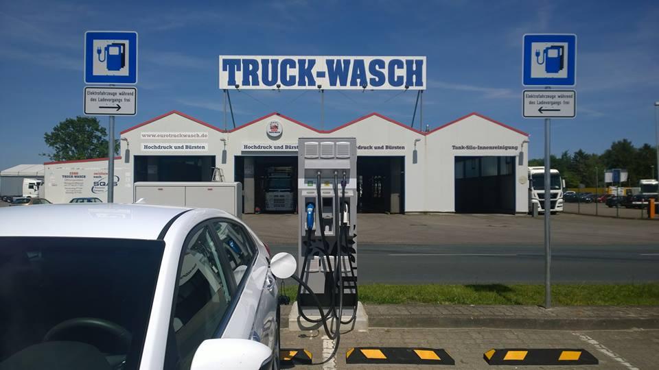 Truck-Wasch? Nein! Aufladen eines Elektroautos